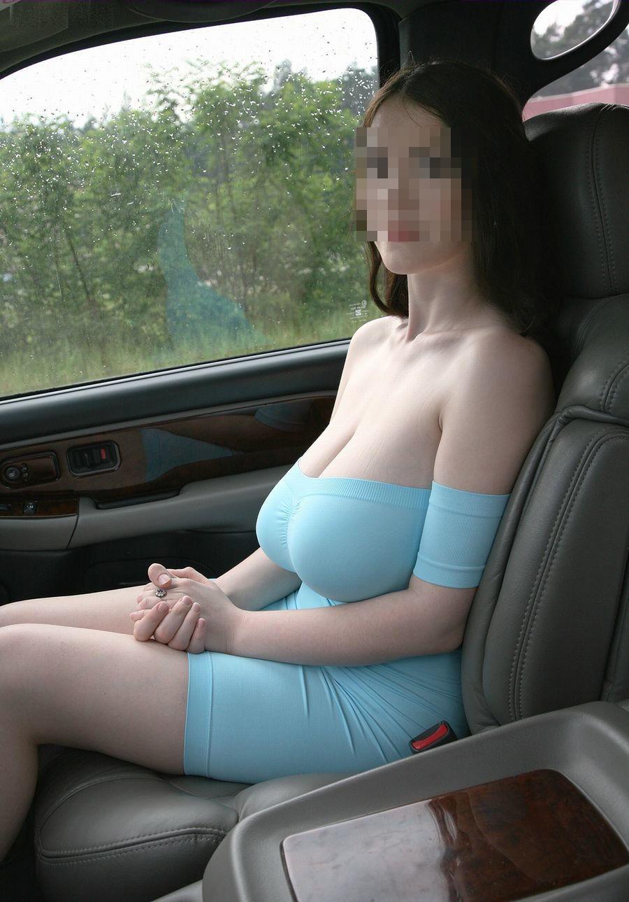 (驚愕)助手席にこんな美巨乳美足モデルを乗せたら事故りかけたwwwwwwwwww(シロウト車内秘密撮影写真あり)