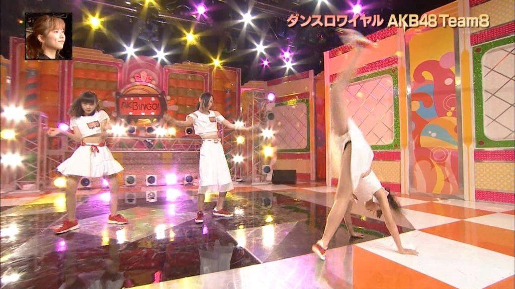 【エロ画像】(驚愕)あいどるのJ●まんこ放送事故☆AKBの少女小娘がはげしいダンスでマンチラ寸前パンチラwwwwwwwwwwwwwww(えろキャプ画像あり)