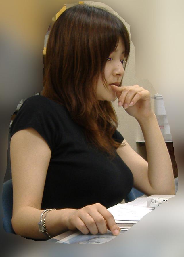 ワイの同僚♀の着衣美巨乳がえろすぎて仕事に集中できないんだがwwwwwwwwww(秘密撮影写真あり)