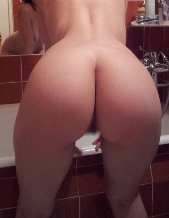 【エロ画像】射精時の体位は「BACK」という女のお尻が美尻すぎて納得wwwwwwwwwwwwwwwwww(画像あり)