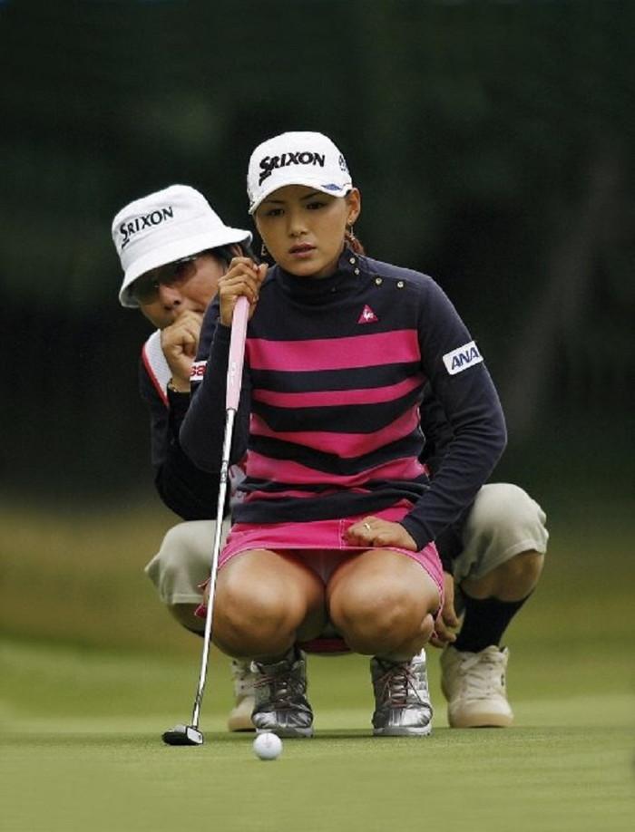 女子ゴルファーって無料でパンツ丸見え中継してくれるしみんないい奴だよなwwwwwwwwww(写真あり)