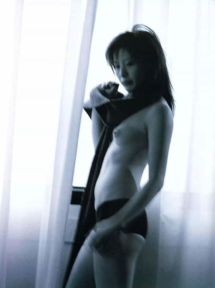 三浦理恵子みたいな美人妻なら全然ヤレる☆むしろヤリたいwwwwwwwwww(ぬーど写真あり)