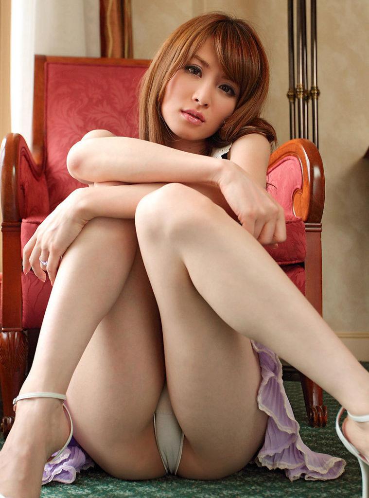 男を釘付けにするM字開脚女子の股間がえろすぎるわwwwwwwwwwwwwwwww(写真あり)
