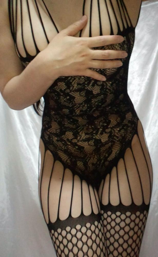 妊活してるセックスな若妻の下着姿がえろすぎてオチンチン破裂しそうwwwwwwwwww(写真あり)