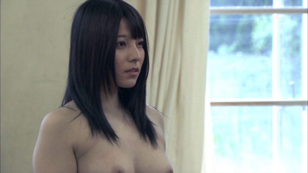 上原亜衣 美巨乳お乳えろ写真30枚☆映画で見せた生乳がAVと違って妙にえろいwwwwww