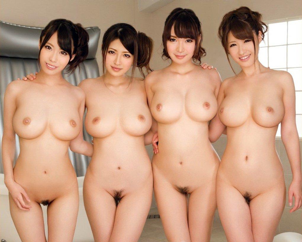 美しい乳・美巨乳・小さい乳☆お乳拝み放題のえろ写真32枚