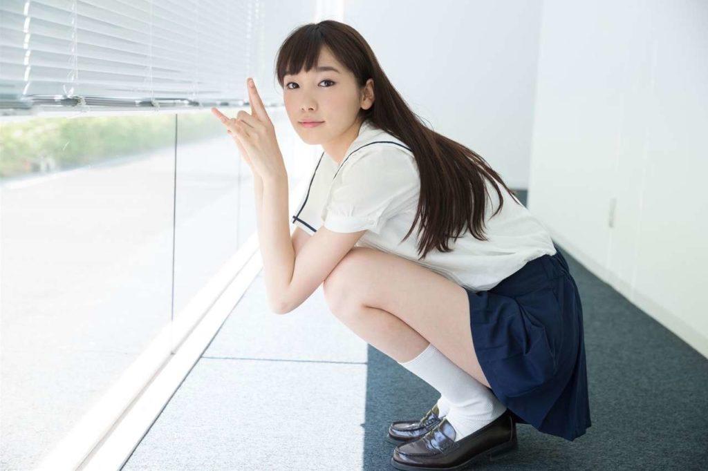 美10代小娘超最高~☆清純派のセイフク10代小娘のえろ写真26枚
