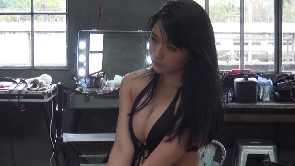 浅川梨奈(18)推定Fカップのぐうシコ10代小娘あいどるのえろ写真27枚