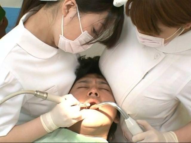 想像膨らむ歯科さんのえろ写真25枚