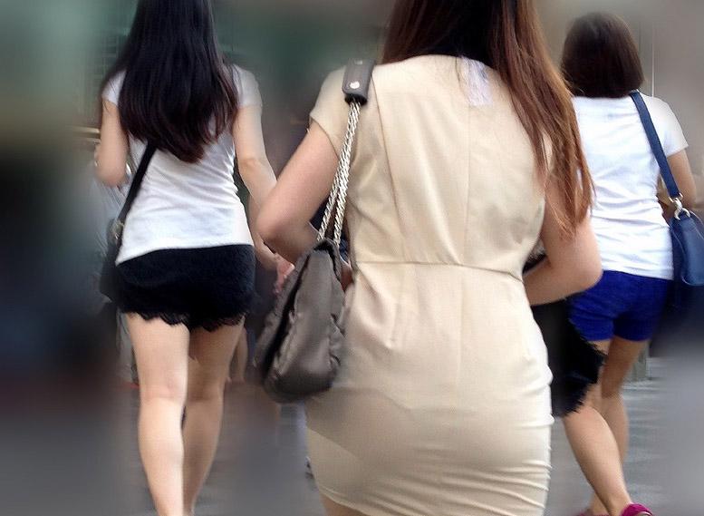 透けパンしたまま歩く無防備シロウト小娘のえろ写真20枚